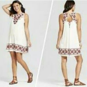 Xhilaration Sleeveless Floral Shift Dress